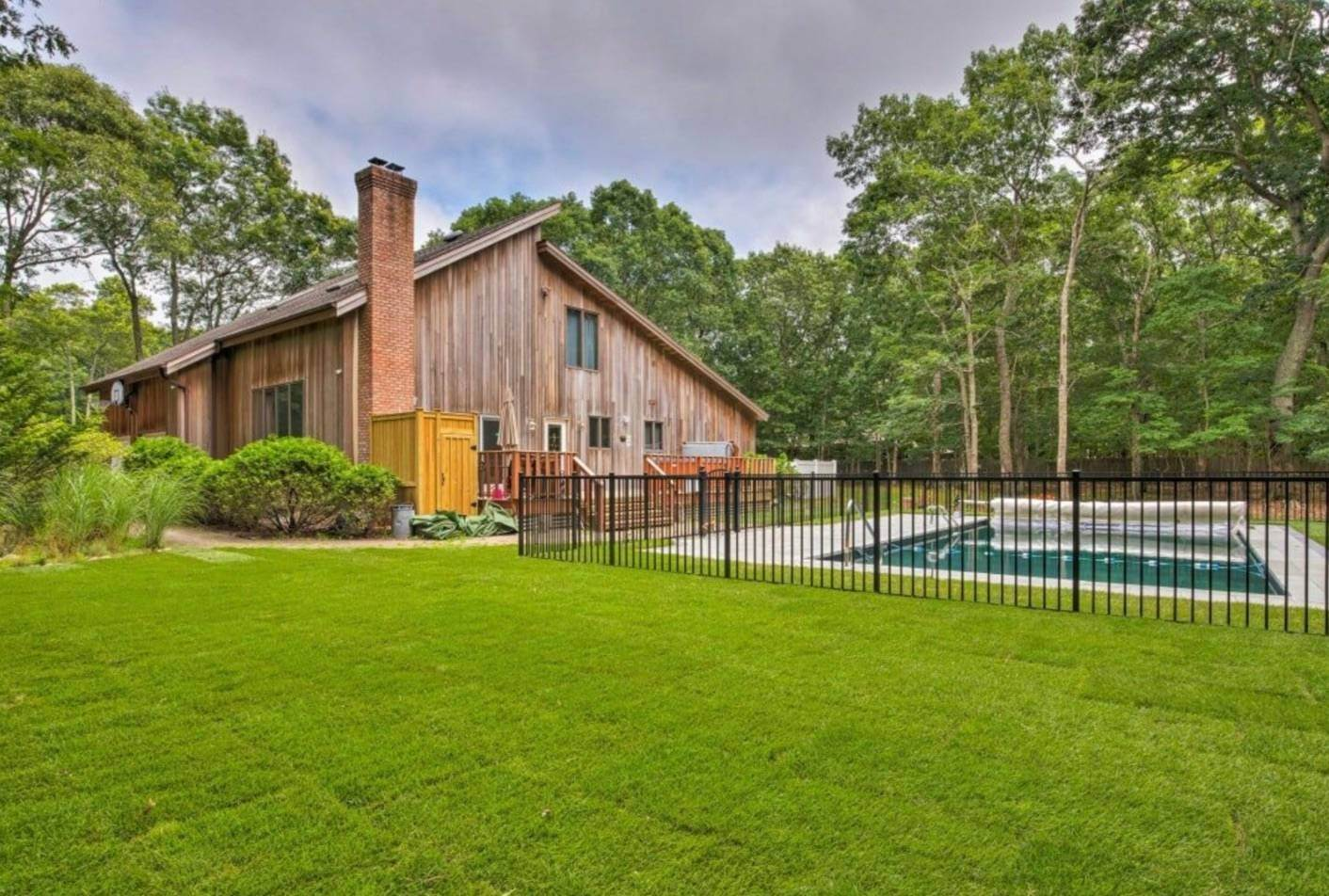 3. Single Family Home at Pristine And Modern Rental With New Heated Pool East Hampton, NY 11937