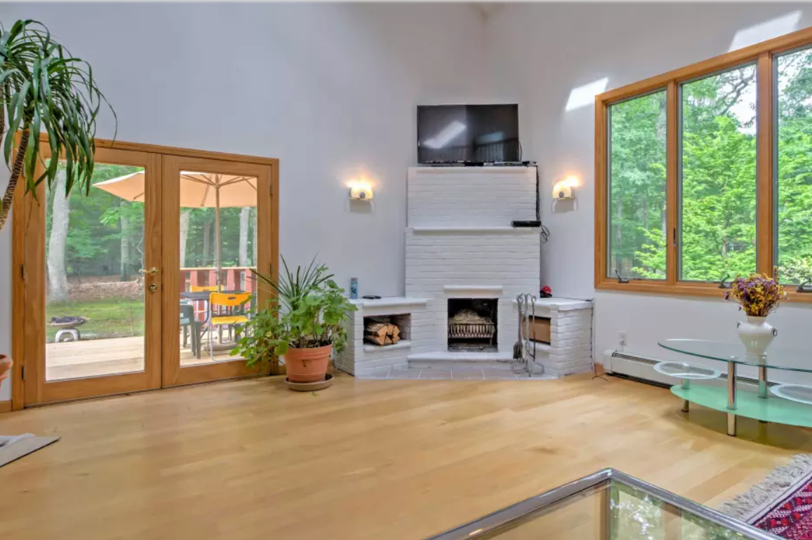 11. Single Family Home at Pristine And Modern Rental With New Heated Pool East Hampton, NY 11937
