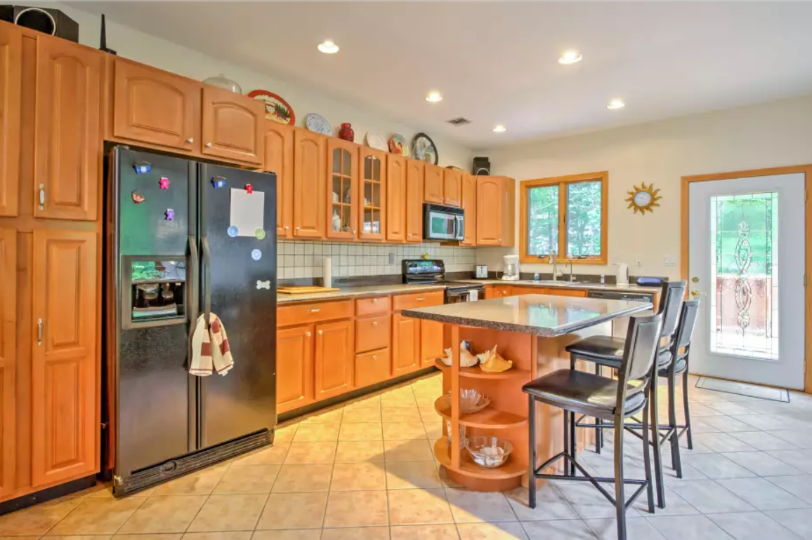 5. Single Family Home at Pristine And Modern Rental With New Heated Pool East Hampton, NY 11937
