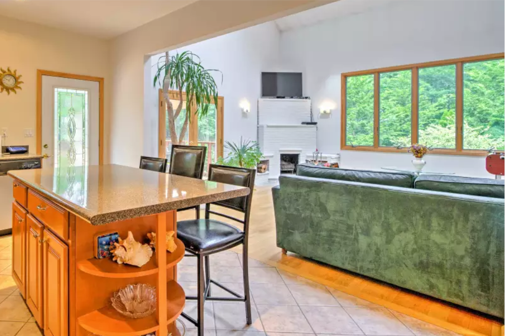 7. Single Family Home at Pristine And Modern Rental With New Heated Pool East Hampton, NY 11937