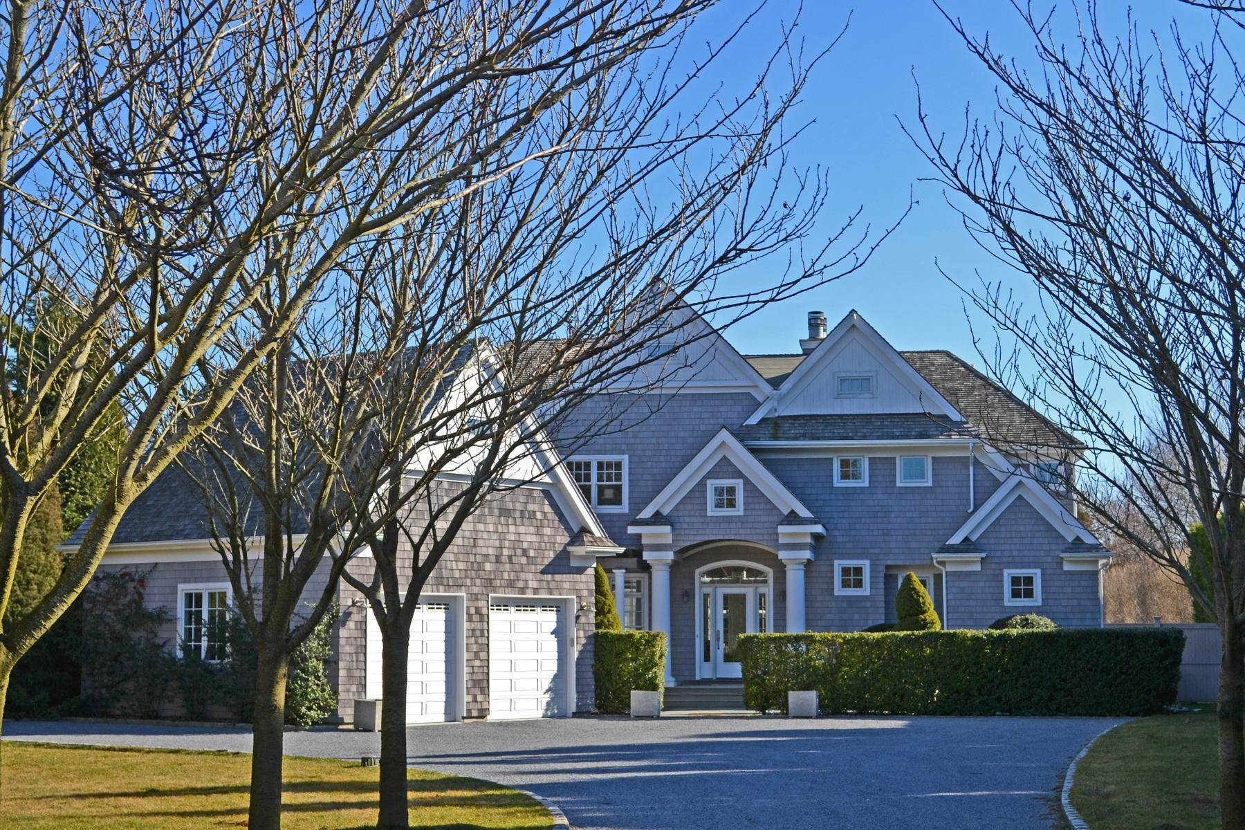 Single Family Home at Perfect South Of Highway Rental East Hampton, NY 11937