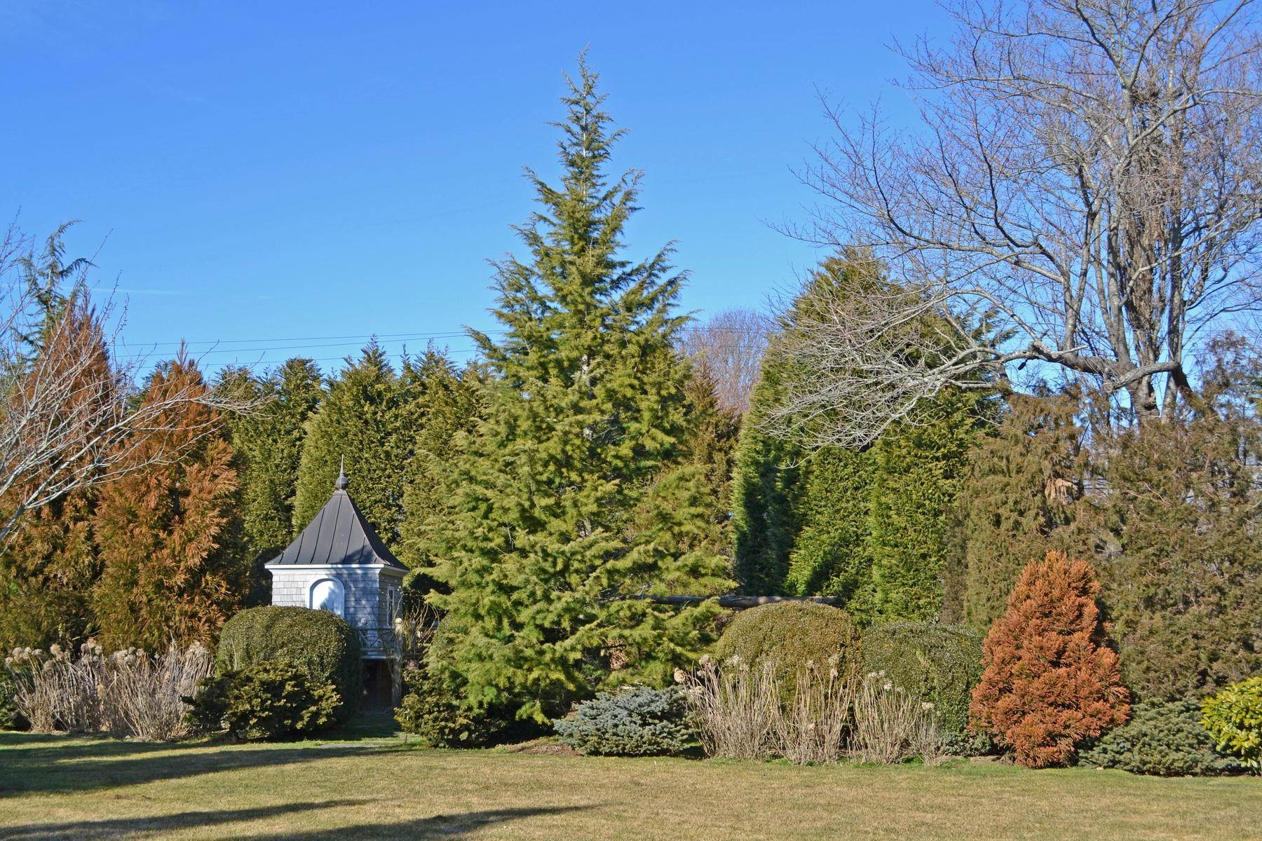 8. Single Family Home at Perfect South Of Highway Rental East Hampton, NY 11937