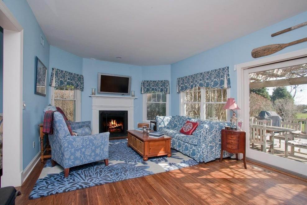2. Single Family Home at Charming Traditional -Stroll To Vineyards Water Mill, NY 11976