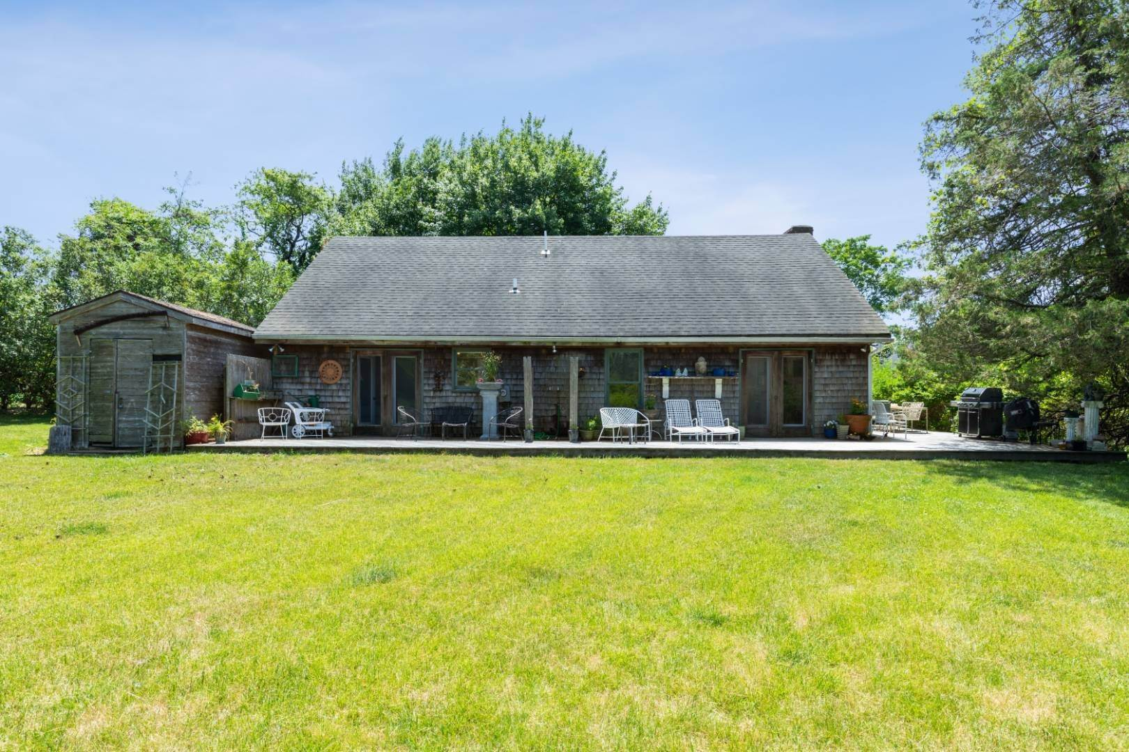 14. Single Family Home at Water Mill South Of The Highway 329 Newlight Lane, Bridgehampton, NY 11976