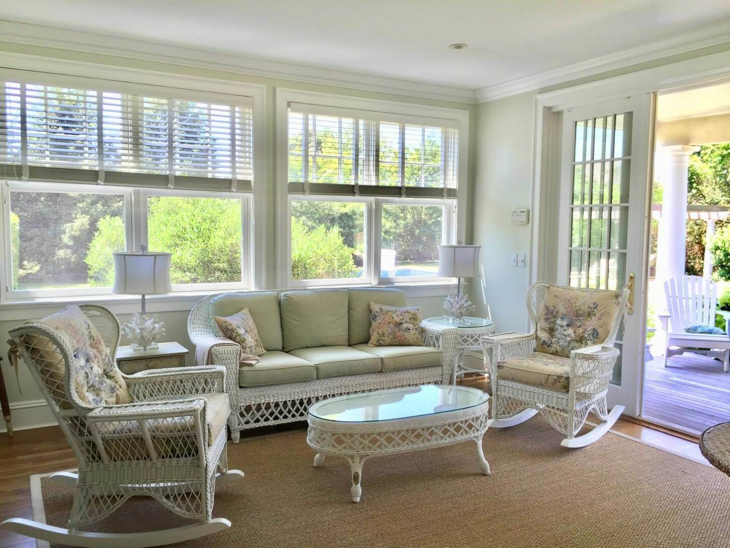10. Single Family Home at Crisp And Beautifully Detailed Southampton Village Home Southampton, NY 11968