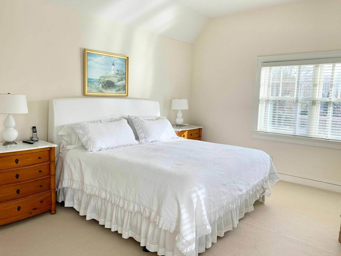 15. Single Family Home at Crisp And Beautifully Detailed Southampton Village Home Southampton, NY 11968