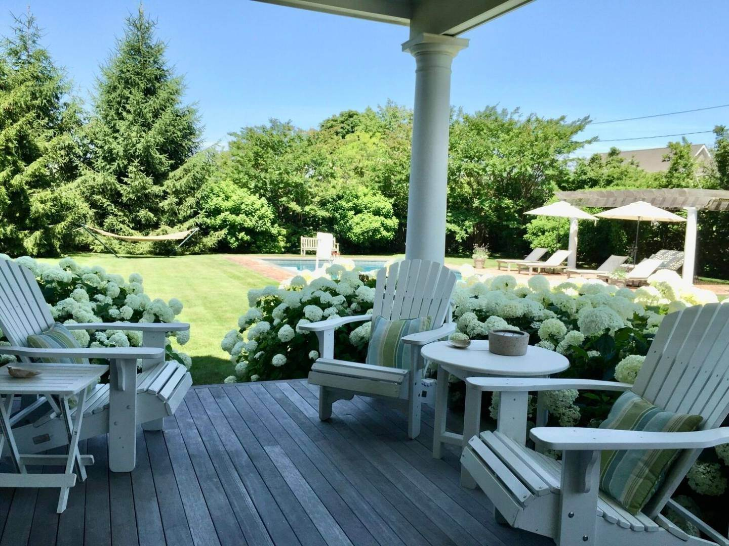 11. Single Family Home at Crisp And Beautifully Detailed Southampton Village Home Southampton, NY 11968