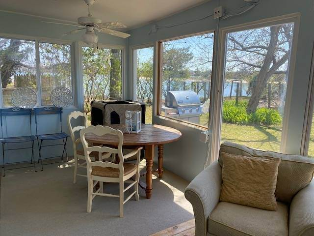 3. Single Family Home at Bay Beach House Southampton, NY 11976