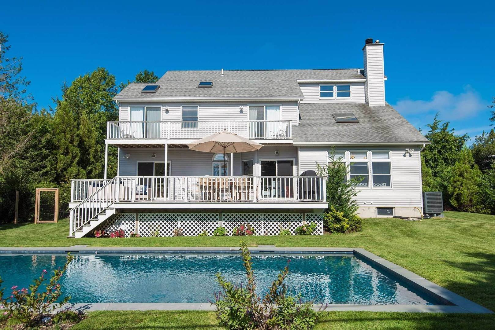 2. Single Family Home at Shelter Island Fresh Contemporary With Beach Rights Shelter Island Heights, NY 11964