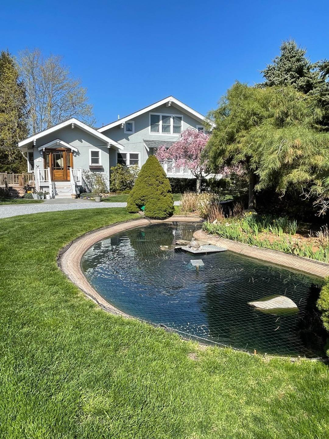 15. Single Family Home at Craftsman Home On Quiet Road,Walk To Water And Kayak! Eastport, NY 11941