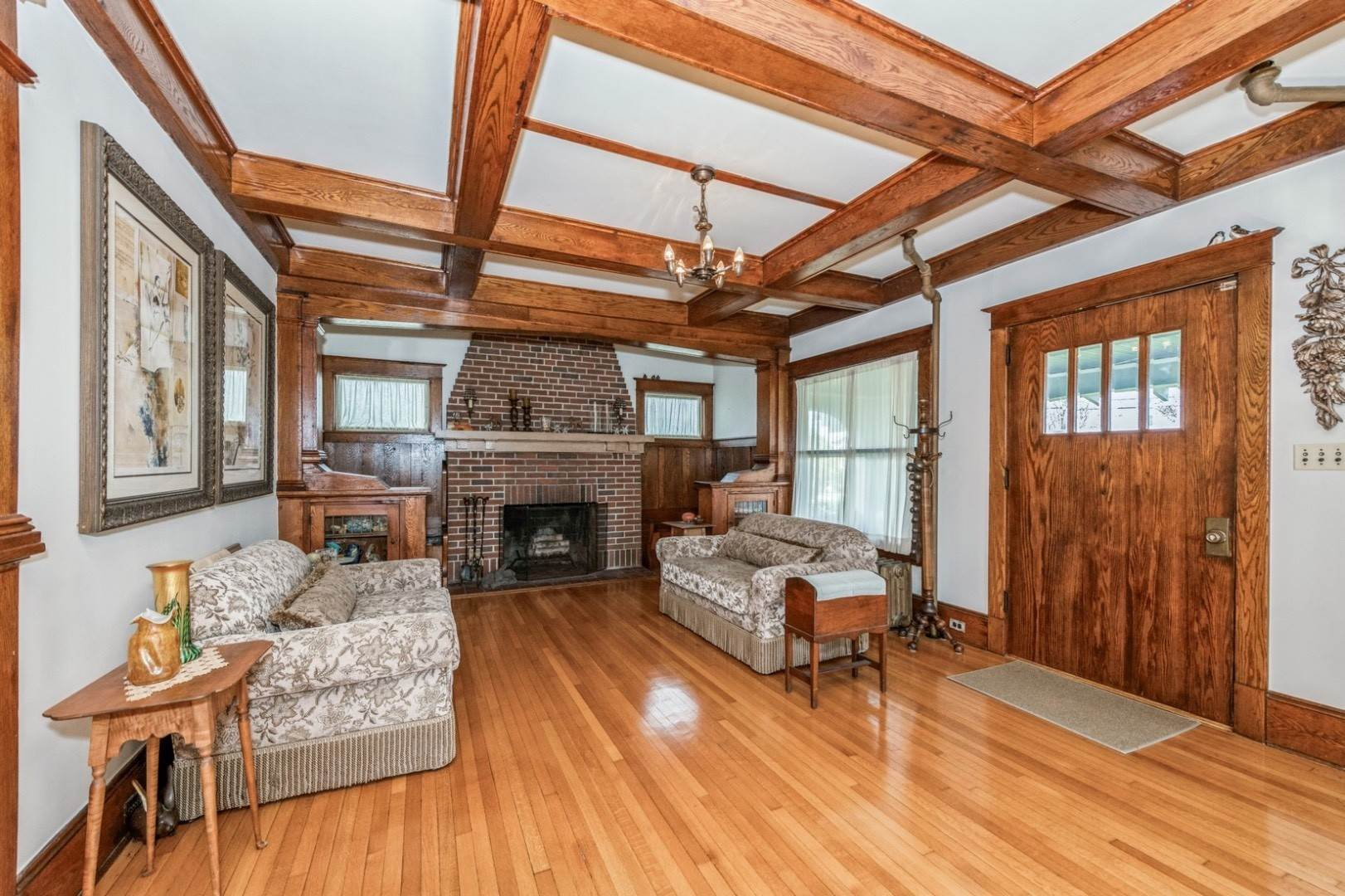 6. Single Family Home at Craftsman Home On Quiet Road,Walk To Water And Kayak! Eastport, NY 11941