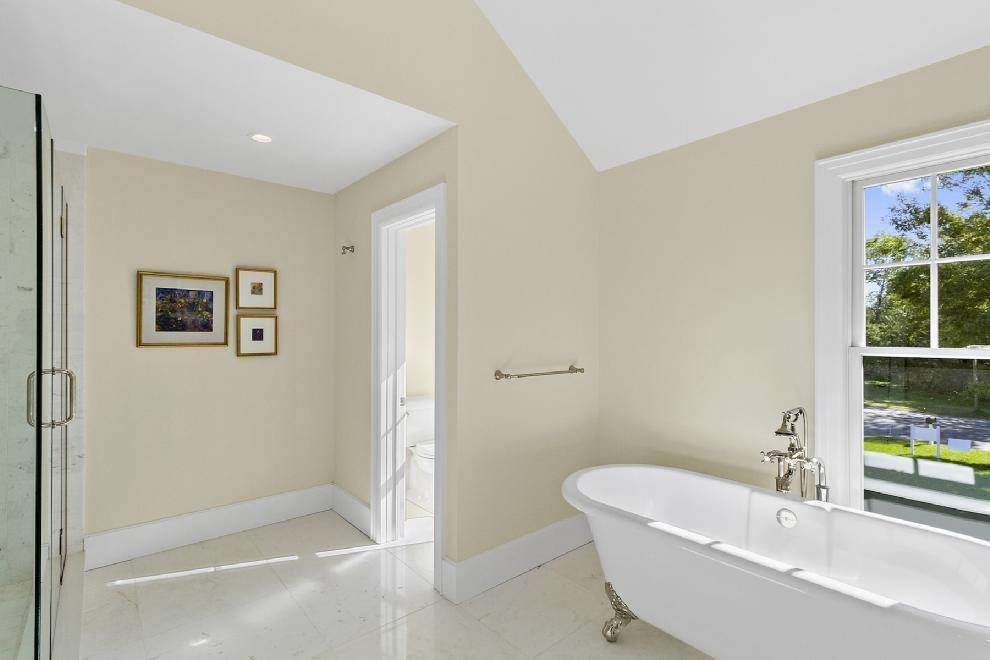 13. Single Family Home at Classic Village Home-Brand New Southampton, NY 11968