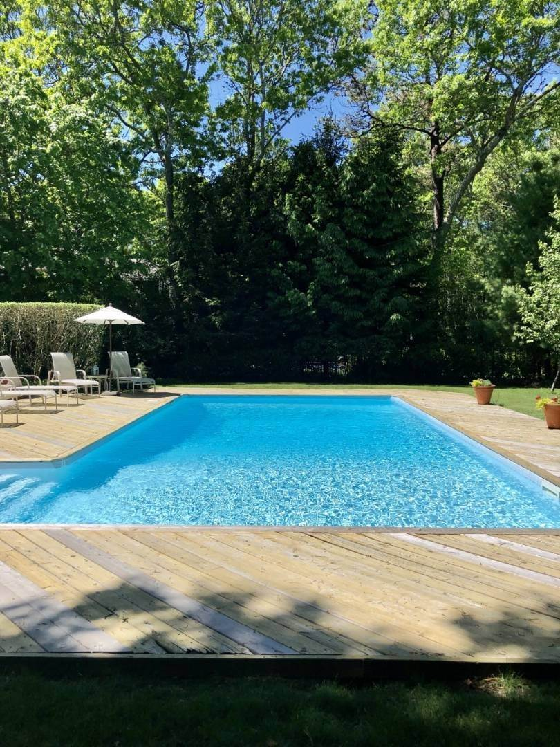 11. Single Family Home at New East Hampton Post Modern East Hampton, NY 11937