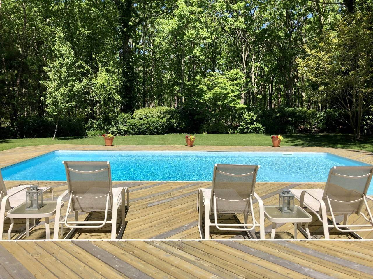5. Single Family Home at New East Hampton Post Modern East Hampton, NY 11937
