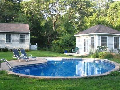 2. Single Family Home at Historic East Hampton Springs, Harbor Breezes, Cottage With Pool East Hampton, NY 11937