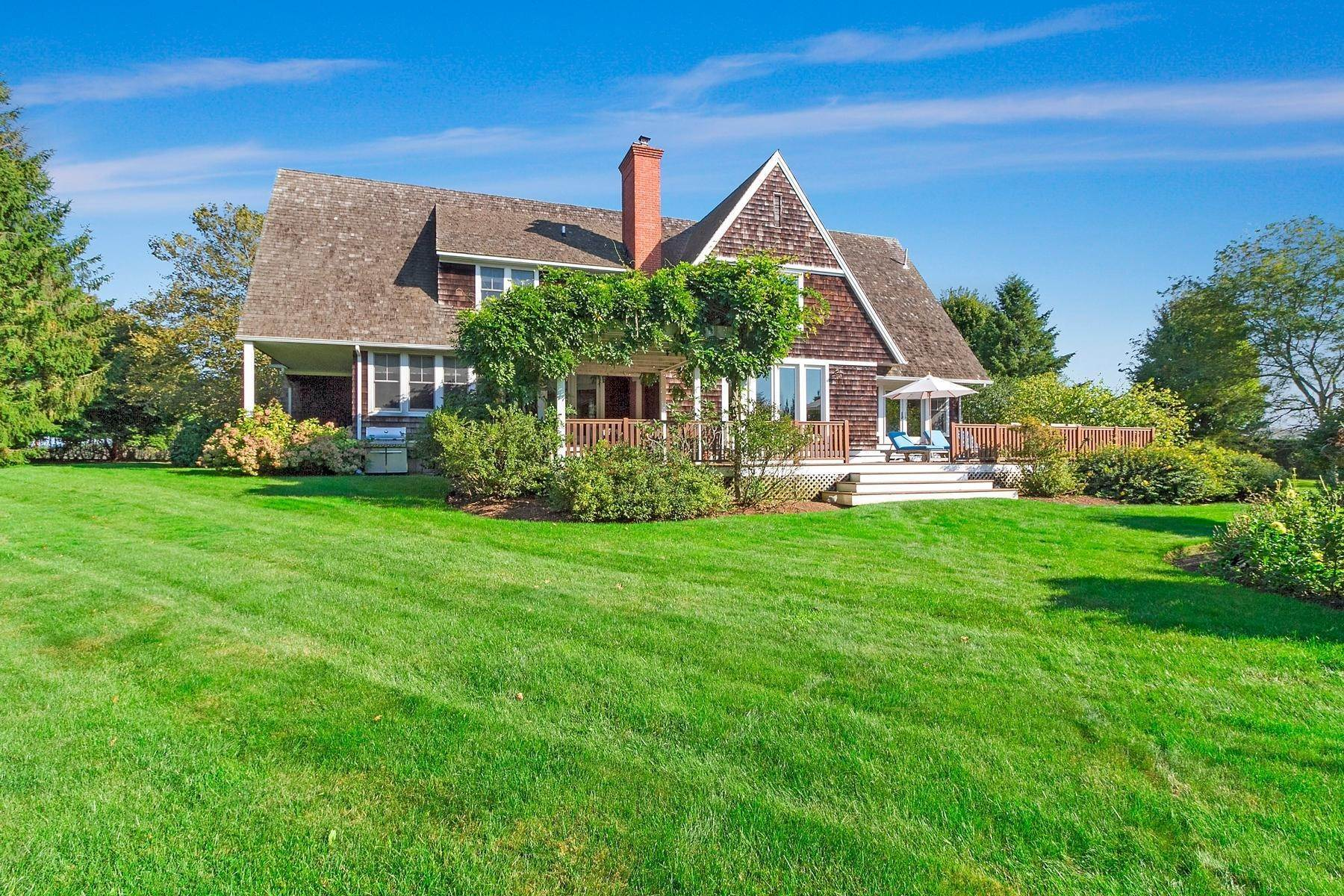 Single Family Home at Great Summer Home Bridgehampton, NY 11932