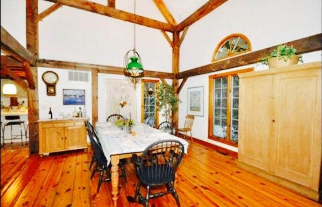 4. Single Family Home at Seclusion In The Bell Estate Amagansett, NY 11930