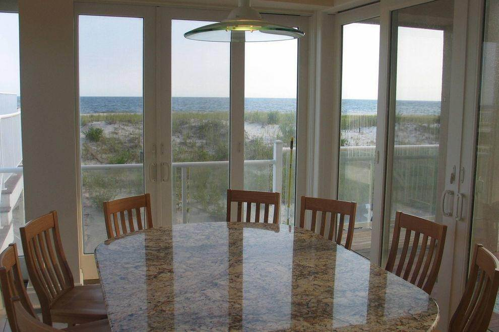 7. Single Family Home at Ocean Front Spectacular Westhampton Dunes Village, NY 11978