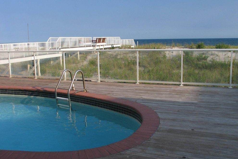 3. Single Family Home at Ocean Front Spectacular Westhampton Dunes Village, NY 11978