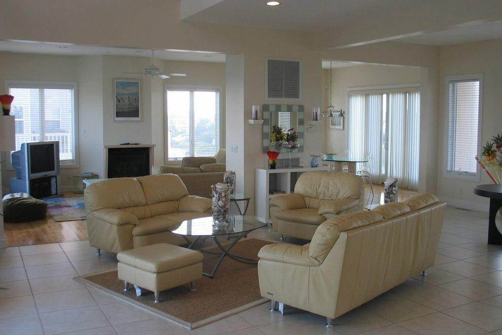 4. Single Family Home at Ocean Front Spectacular Westhampton Dunes Village, NY 11978