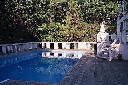 15. Single Family Home at Sun Filled Northwest Contemporary East Hampton, NY 11937