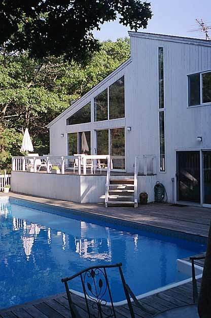 13. Single Family Home at Sun Filled Northwest Contemporary East Hampton, NY 11937