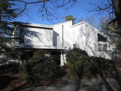 5. Single Family Home at Sun Filled Northwest Contemporary East Hampton, NY 11937