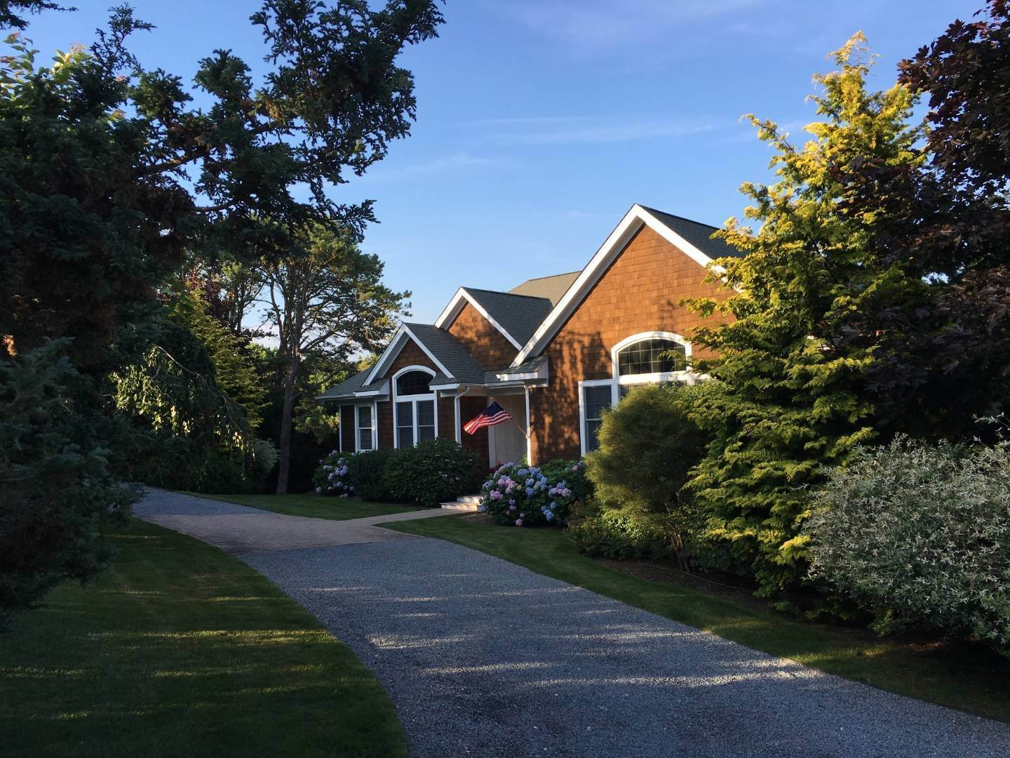 4. Single Family Home at Centrally Located Southampton Traditional Southampton, NY 11968