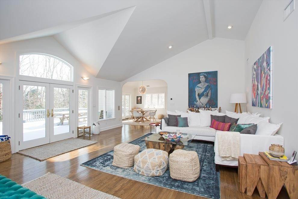 2. Single Family Home at Bright & Stylish In Water Mill Water Mill, NY 11976