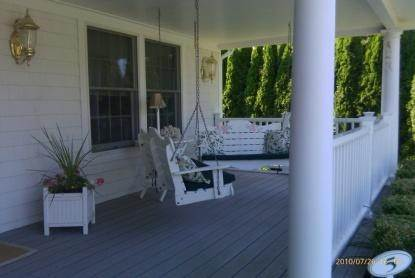 3. Single Family Home at As Pristine As It Gets Southampton, NY 11968