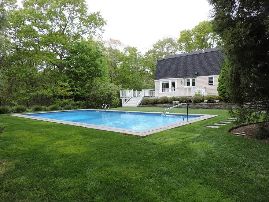 18. Single Family Home at Spectacular Summer Retreat With Tennis East Hampton, NY 11937