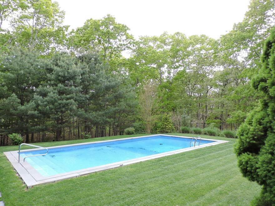 15. Single Family Home at Spectacular Summer Retreat With Tennis East Hampton, NY 11937