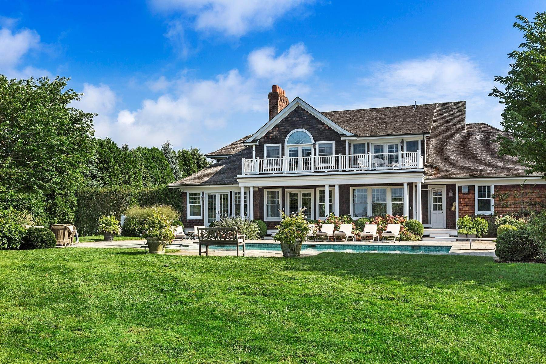 Single Family Home at Beautiful Butter Lane Bridgehampton, NY 11932
