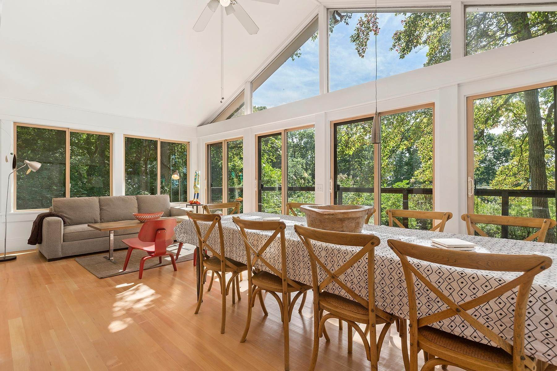 Single Family Home at Zen-Like Beach Cottage In Southampton Southampton, NY 11968