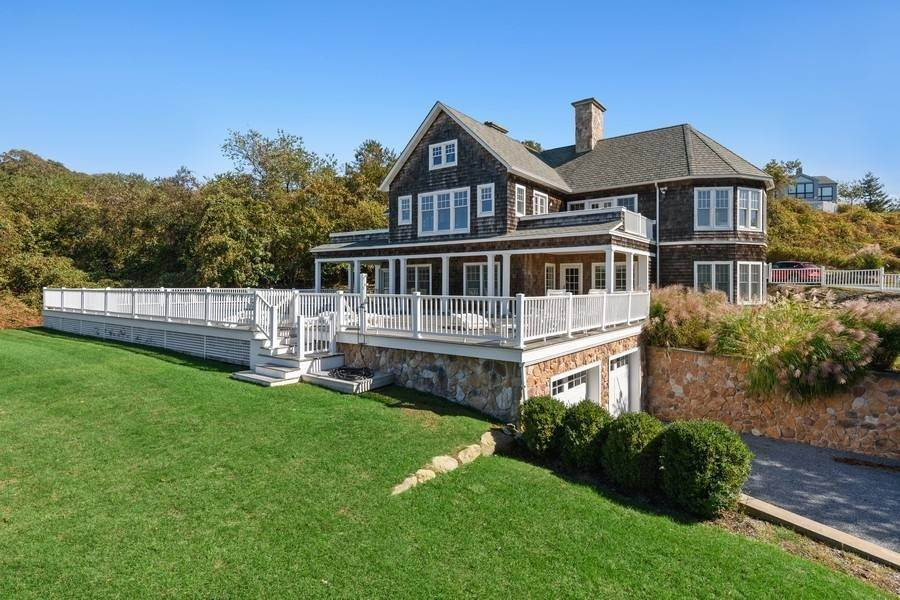 Single Family Home at Bay, Sound Sunset Stunner August Montauk, NY 11954