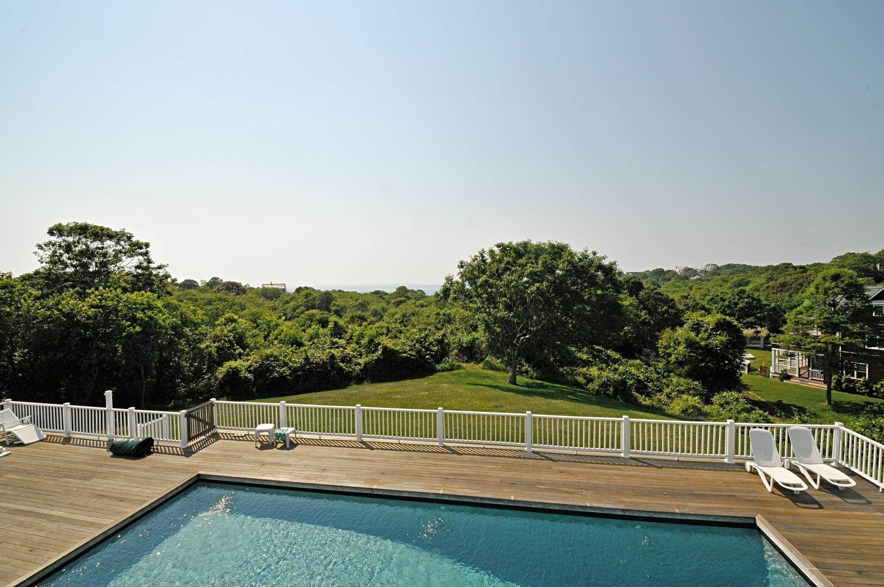 30. Single Family Home at Bay, Sound Sunset Stunner August Montauk, NY 11954
