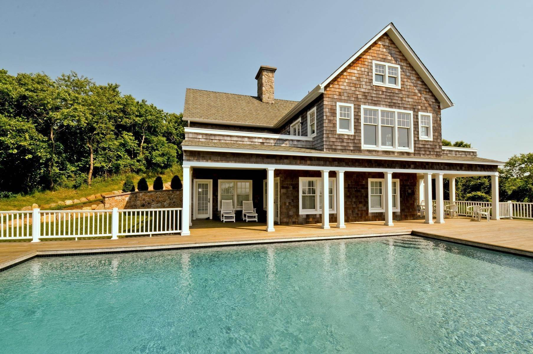 29. Single Family Home at Bay, Sound Sunset Stunner August Montauk, NY 11954