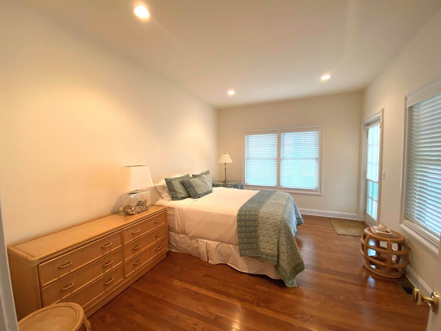22. Single Family Home at Bay, Sound Sunset Stunner August Montauk, NY 11954