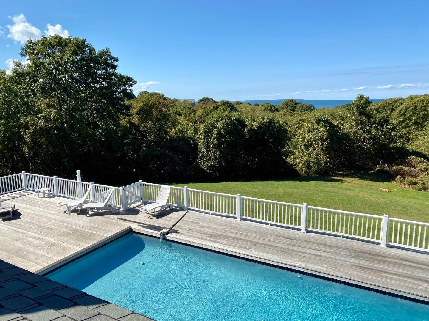 3. Single Family Home at Bay, Sound Sunset Stunner August Montauk, NY 11954