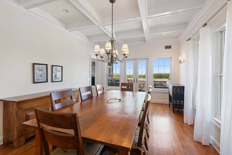 16. Single Family Home at Bay, Sound Sunset Stunner August Montauk, NY 11954