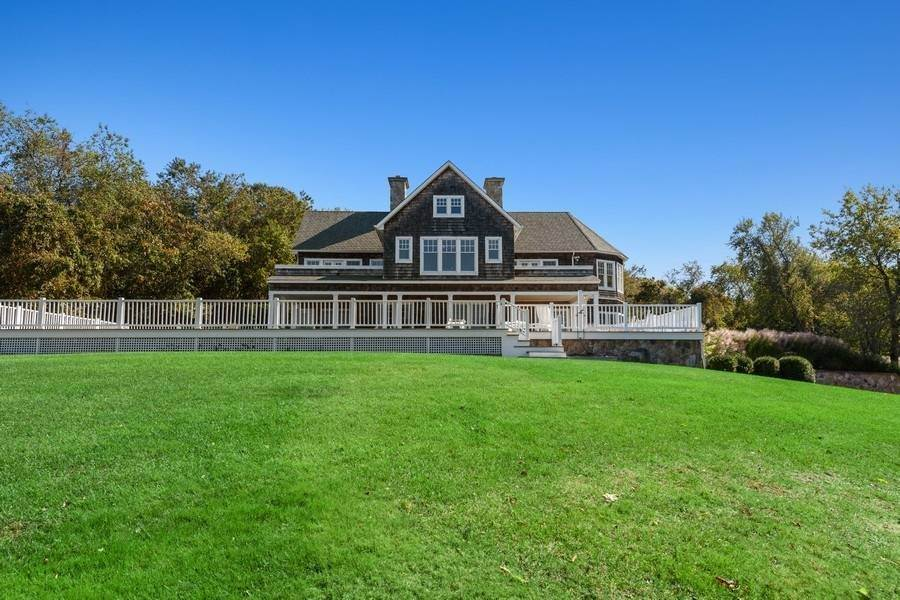 6. Single Family Home at Bay, Sound Sunset Stunner August Montauk, NY 11954