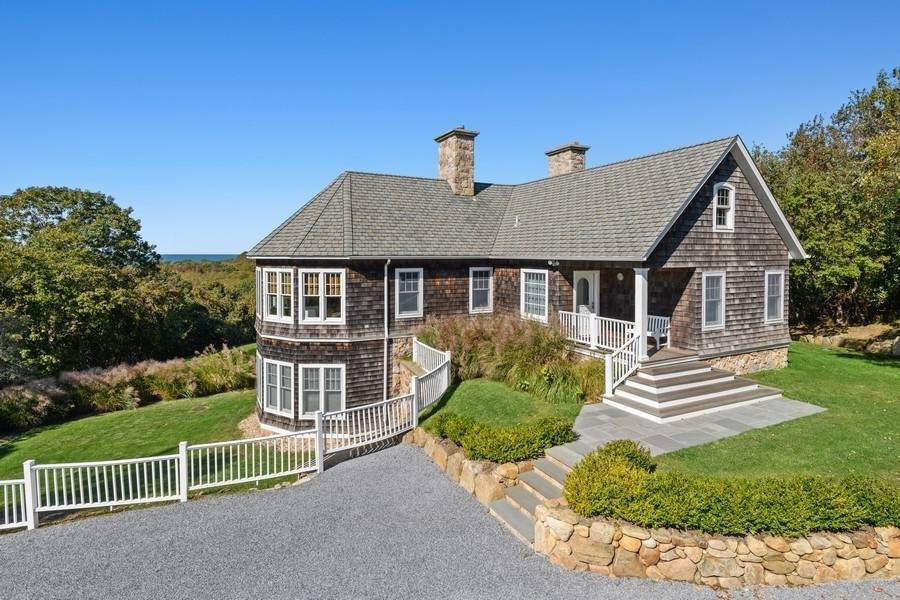 2. Single Family Home at Bay, Sound Sunset Stunner August Montauk, NY 11954