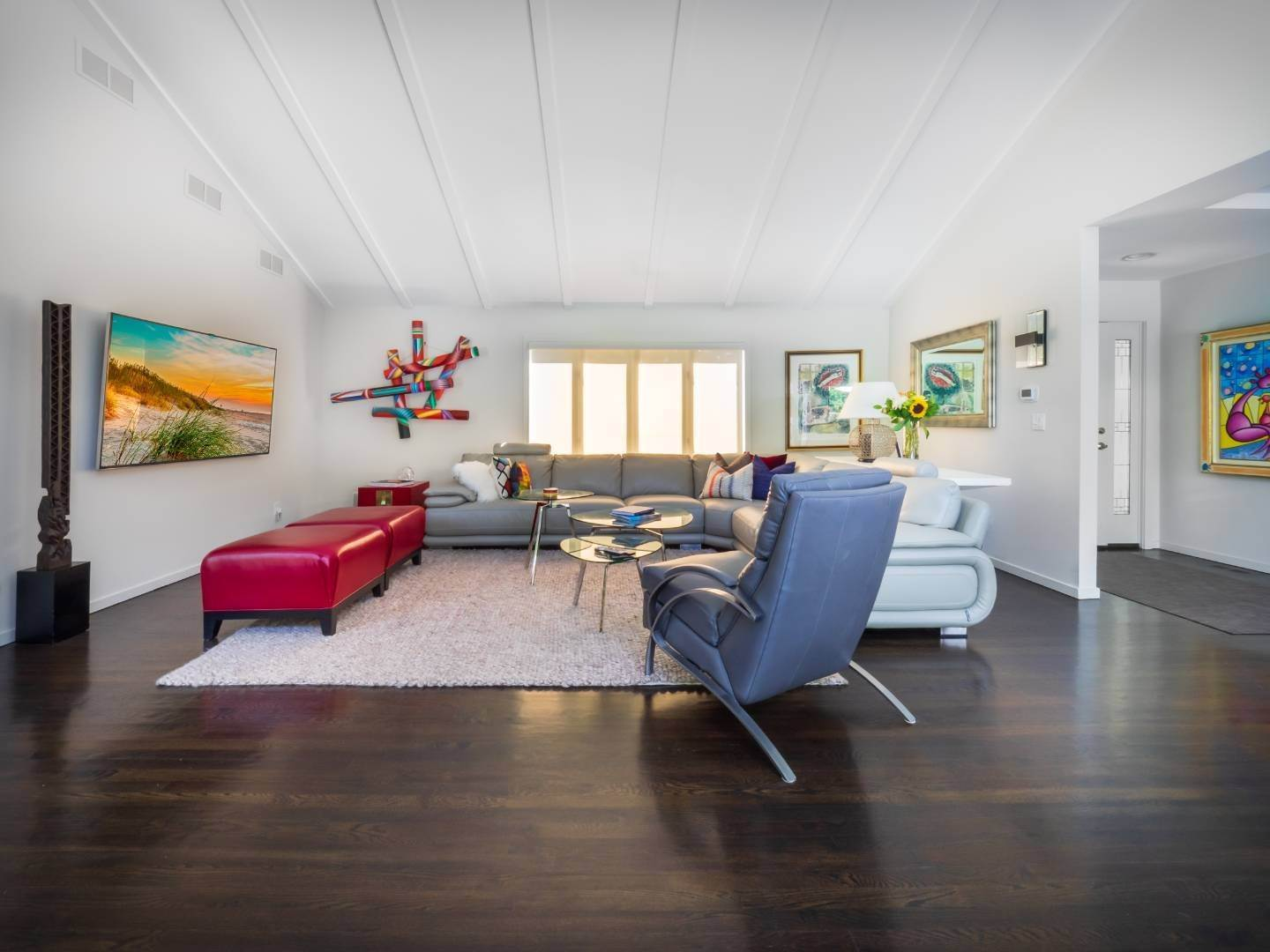 4. Single Family Home at Renovated Beauty South Of The Highway In Water Mill Water Mill, NY 11976