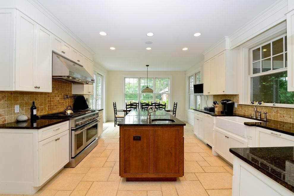 4. Single Family Home at Amagansett Lanes Fabulous Living Amagansett, NY 11930