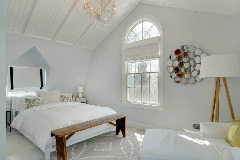 16. Single Family Home at Chic Beach House Compound South Of The Highway Southampton, NY 11968