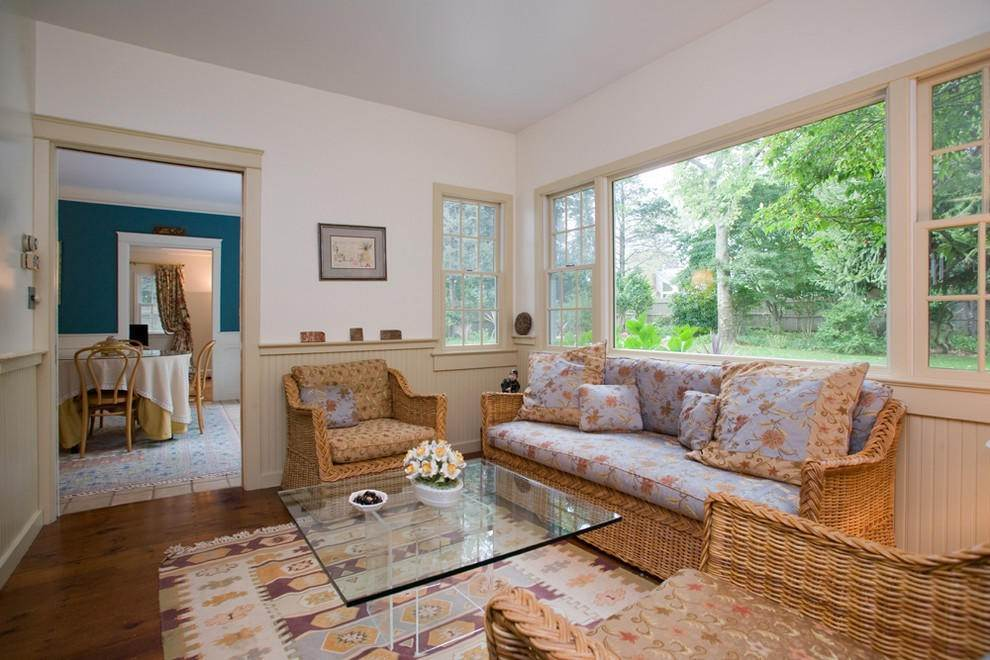 10. Single Family Home at Secluded Southampton Village Retreat Southampton, NY 11968