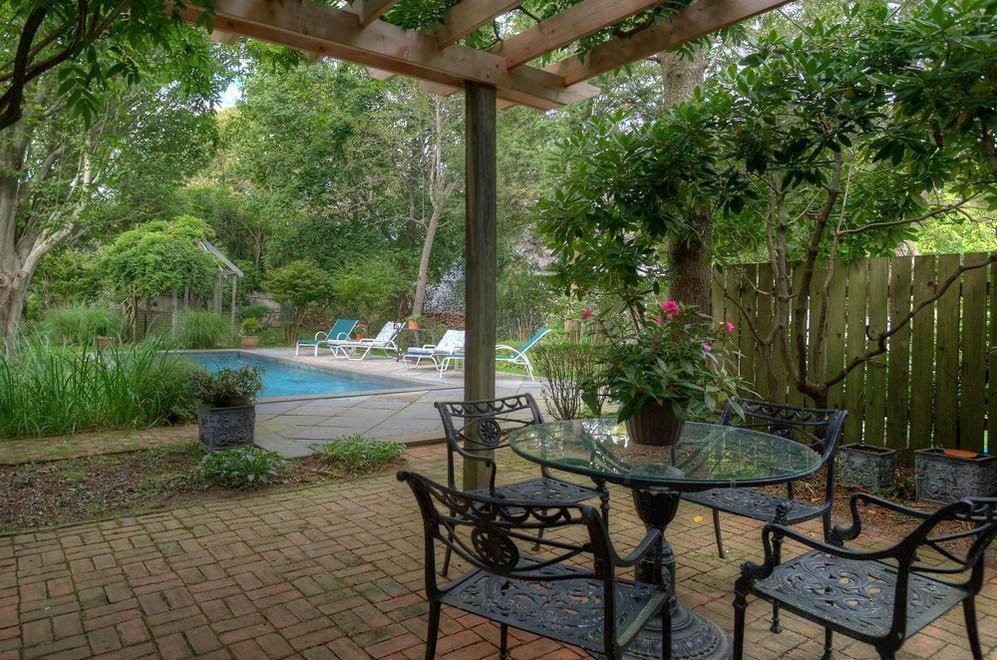 7. Single Family Home at Secluded Southampton Village Retreat Southampton, NY 11968