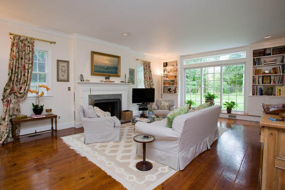 9. Single Family Home at Secluded Southampton Village Retreat Southampton, NY 11968