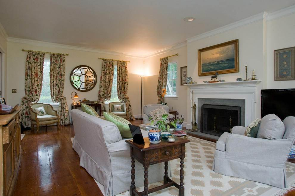 11. Single Family Home at Secluded Southampton Village Retreat Southampton, NY 11968