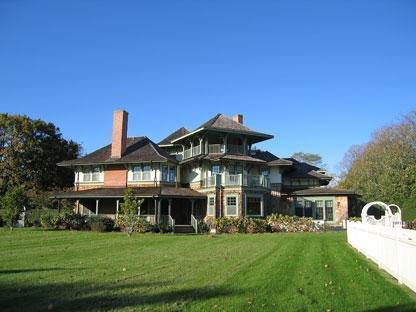 5. Single Family Home at Simply The Finest Southampton, NY 11968